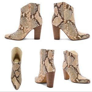 Vince Camuto Creestal Snakeskin Boot - Sz 7